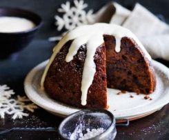 Quinoa Christmas pudding with custard