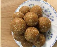 Not too sweet Apricot Balls