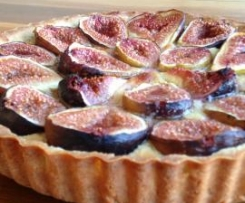 Figs and almond tart