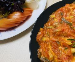 Zucchini with tomato (kosa a banadoura)