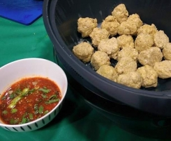 Chicken Quiona Devil Balls with a Spicy Dipping Sauce