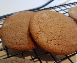 Crisp Ginger Biscuits