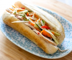 Thai chicken salad roll