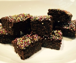 Healthy Chocolate Brownies (with carrot & spinach - shh!)