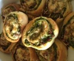 Spinach, Sun-Dried Tomato & Chicken Scrolls