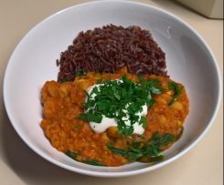 Red Lentil Dhal with Spinach and Red Rice Low GI