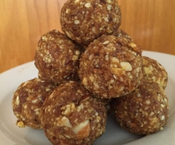 Raw Apple Pie Balls
