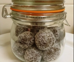 Date, Raisin and Hazelnut Liqueur Truffles