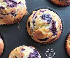 Peach & Cream Cheese Muffins with Mixed Berry Swirl