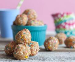 Vegan no bake energy balls (birthday cake) from The Edgy Veg
