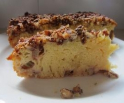 Almond topped rhubarb cake