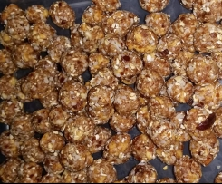 Apple and Pineapple Bliss Balls