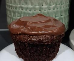 Moist & Light Chocolate Cupcakes with chocolate buttercream icing