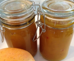 Fragrant Mango and Apple Chutney