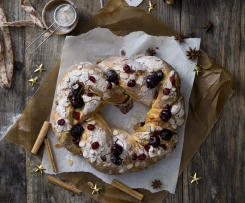 Spiced cherry brioche wreath