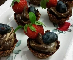 Primal/Paleo Chocolate Avocado Mousse Tarts