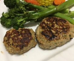 Turkey rissoles w/ steamed vege