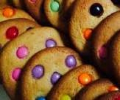 Giant Smartie cookies (almost sugar free)