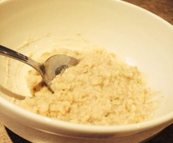 Apple and coconut porridge