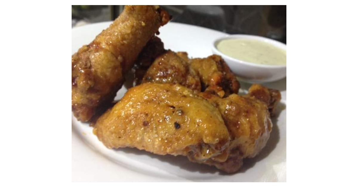 The Best Buffalo Wings With Blue Cheese Sauce By Aprilstar On Www Recipecommunity Com Au