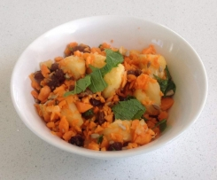 Pineapple, carrot and raisin salad