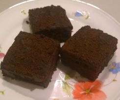 Super moist chocolate cake (gluten and dairy free and no added sugar)