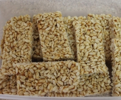 Healthy LCM style Puffed Rice Bars
