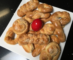 Thia Lili's Koulourakia (Greek Easter Biscuits)