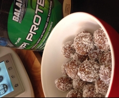 Christmas Protein Spiced Balls