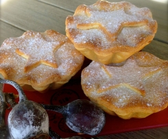 Pear, cranberries, Goji Berries and Dates Christmas Mince Pies