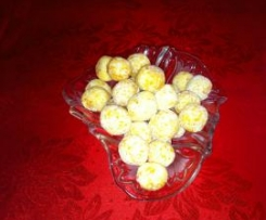 Christmas Apricot Balls