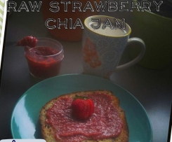 30 sec Raw Strawberry Chia Jam