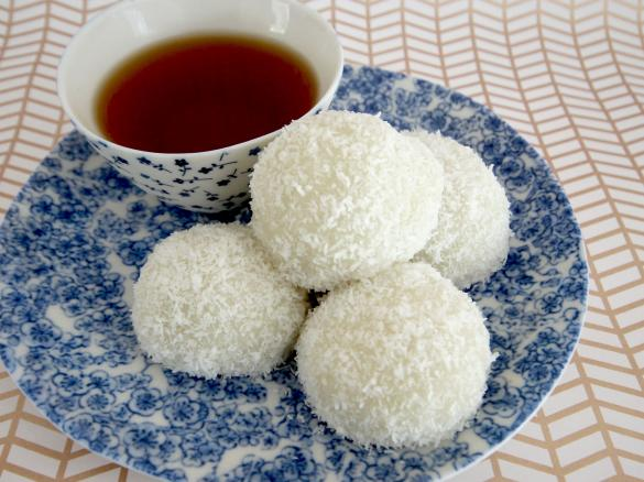 Nuomici - Chinese Coconut rice Balls by CecileThermomix. A ...