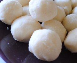 white chocolate balls (sugar free nut free)