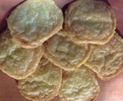 Gluten free cheddar cheese crackers