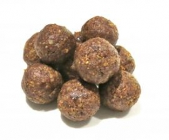 Date and Almond Protein Balls