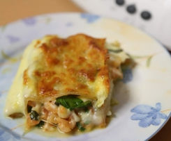 Fresh Mozzarella, Spinach and Basil Lasagna (Low FODMAP)