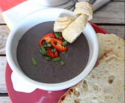 Caldo de feijao preto (Black bean soup)