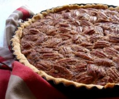 Maple Syrup Pecan Pie with Vanilla Scented Pastry