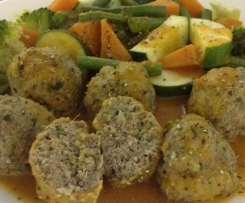 Turkey and Spinach Balls with Tomato Sauce and Steamed Vegetables