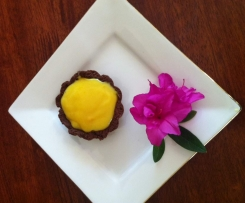 Chocolate tart with lemon curd filling