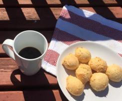 Brazilian Cheesy buns (Pão de Queijo)