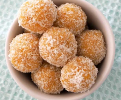 Uncooked Apricot Balls