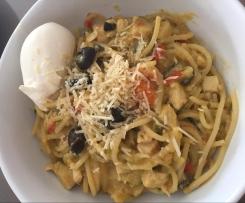 Creamy chicken pasta, served with sour cream.