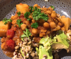 Caribbean Vegan Potato and Chickpea Curry