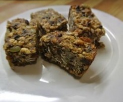 Wheat, nut & dairy-free muesli bars with raw cacao