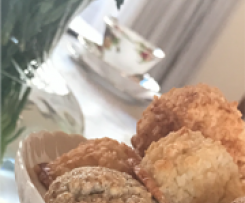 Coconut Macaroons (inspired by Donna Hay)