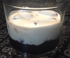 Chocolate liquer: chocolate alcoholic syrup