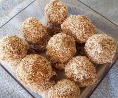 Rhia's Choc-Banana Protein Balls (No Nuts)
