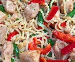 Warm chicken and noodles with ginger and hoisin sauce